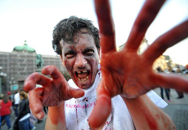 Участинк фестиваля зомби в Белграде - Sputnik Узбекистан
