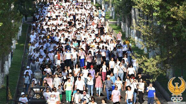 Жители Ташкента приняли участие в Массовой ходьбе - Sputnik Узбекистан