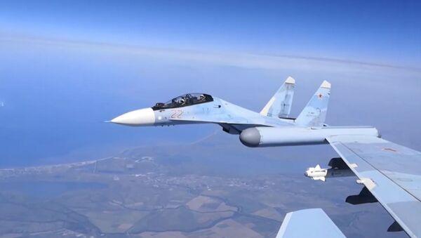 Истребители Су-30СМ выполнили тренировочный полёт над Крымом - Sputnik Ўзбекистон