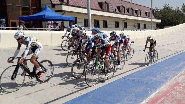 В Ташкенте вспоминают легендарного велогонщика - Sputnik Узбекистан