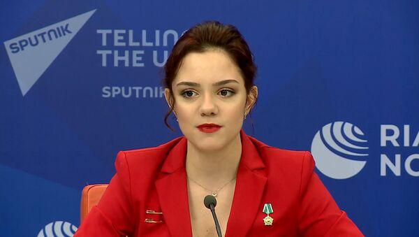 Огромная честь – фигуристка Медведева стала послом сборной РФ на Олимпиаде в Токио  - Sputnik Узбекистан