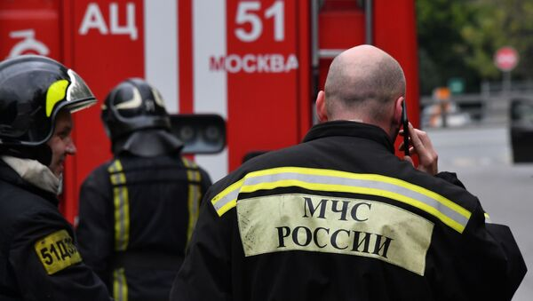 Сотрудники противопожарной службы МЧС - Sputnik Узбекистан