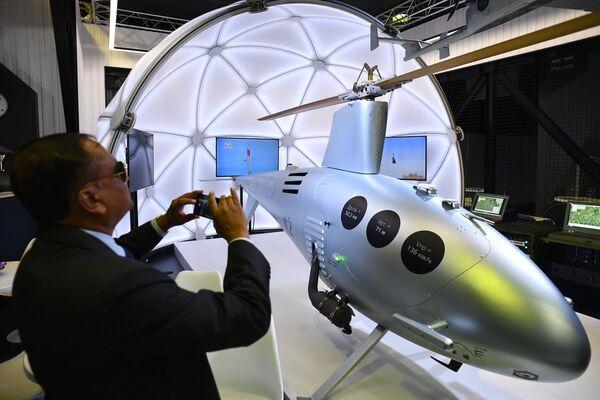 Российский беспилотный вертолет К2 Клен, представленный на Международном авиационно-космическом салоне МАКС-2019 - Sputnik Узбекистан