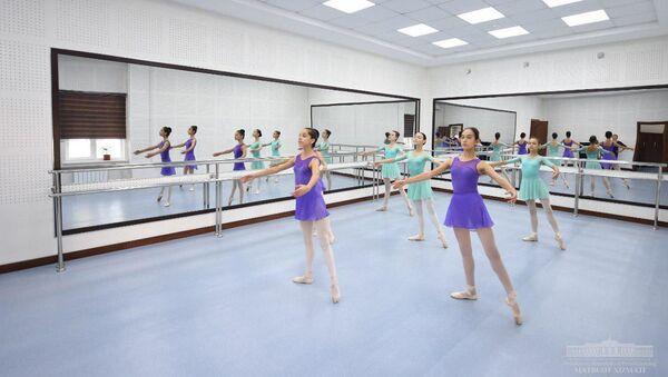 Шавкат Мирзиёев посетил Ташкентскую государственную высшую школу национального танца и хореографии - Sputnik Узбекистан
