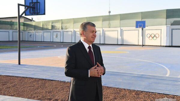 Миризиёев: мы не зря назвали школу в честь Мирзо Улугбека - Sputnik Узбекистан