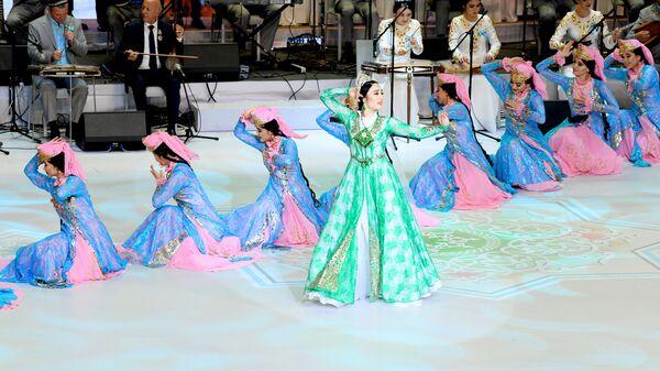 Национальные узбекские танцы на концерте в честь Дня независимости - Sputnik Узбекистан