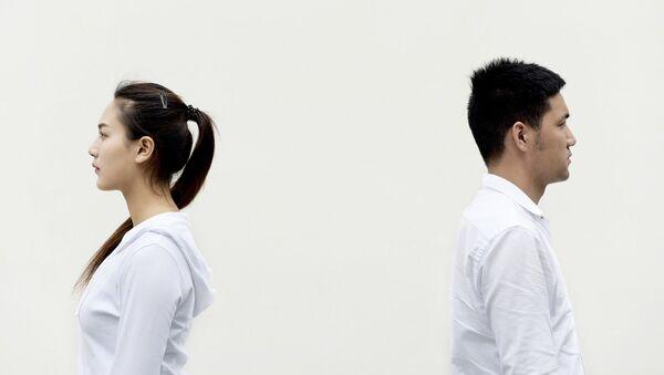 Мужчина и женщина. Иллюстративное фото - Sputnik Узбекистан