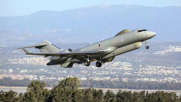 Самолет радиоэлектронной разведки британских ВВС Bombardier Global Express Sentinel R.1 - Sputnik Узбекистан