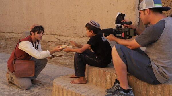 Дэвин Грэм провел съемки нового корокометражного фильма Аладдин в Государственном музее-заповеднике Ичан-Кала в Хиве - Sputnik Узбекистан
