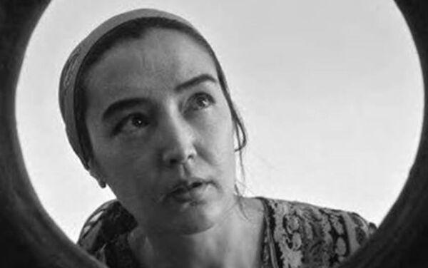 Kadr iz filma Goryachaya lepeshka - Sputnik Oʻzbekiston