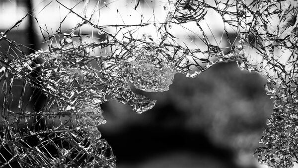 Разбитое стекло - Sputnik Ўзбекистон