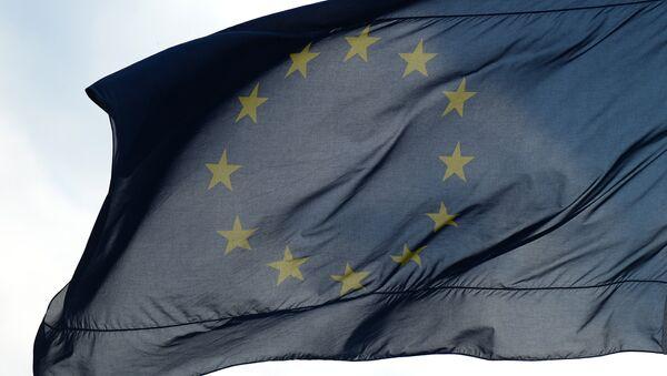 Флаги Евросоюза в Берлине - Sputnik Узбекистан
