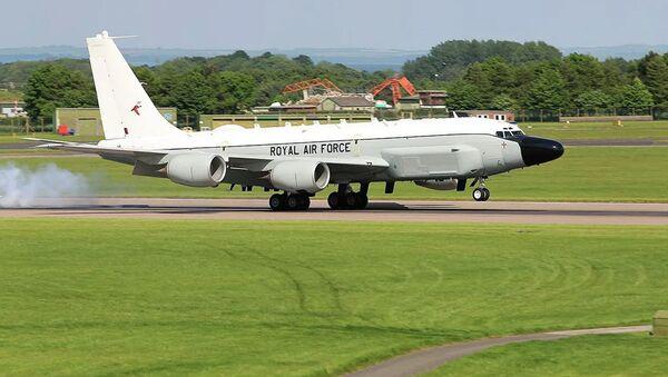 Самолет-разведчик Boeing RC-135W в ВВС Великобритании - Sputnik Ўзбекистон
