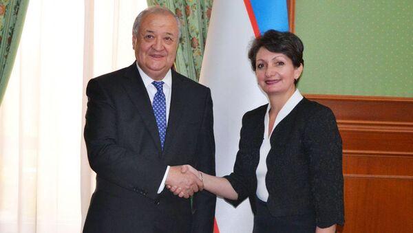 13 сентября 2019 года Министр иностранных дел Узбекистана Абдулазиз Камилов принял вновь назначенного Посла Франции Изабель Сервоз-Галлуччи - Sputnik Ўзбекистон
