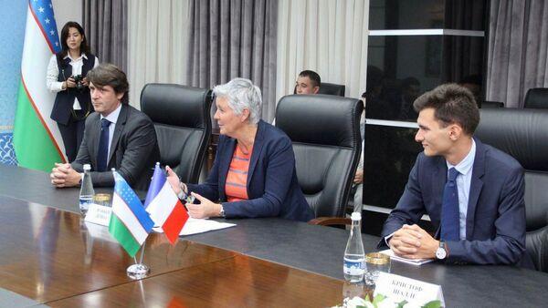 Podpisaniye soglasheniya s Total Eren - Sputnik Oʻzbekiston