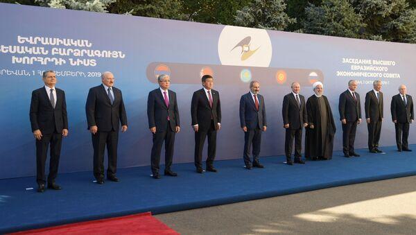 Rabochiy vizit prezidenta RF V. Putina v Armeniyu - Sputnik Oʻzbekiston