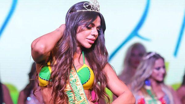 Brazilskaya model Syuzi Kortes - Sputnik Oʻzbekiston