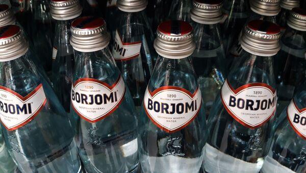 Минеральная вода Боржоми - Sputnik Узбекистан