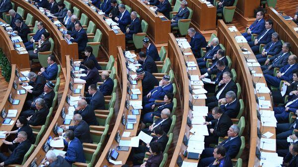 Zasedanise senata Oliy Majlis - Sputnik Oʻzbekiston