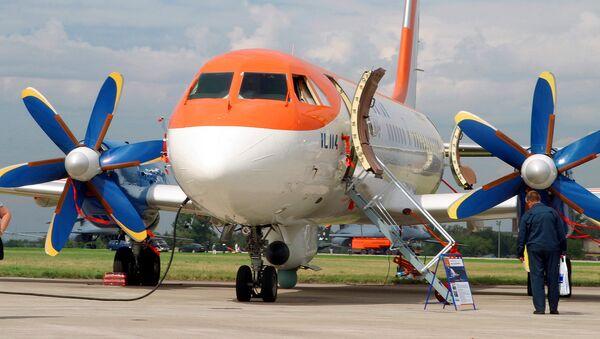 Ил-114 йўловчи самолёти - Sputnik Ўзбекистон