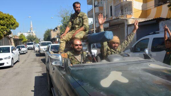 Военные в машине на границе Турции и Сирии - Sputnik Узбекистан