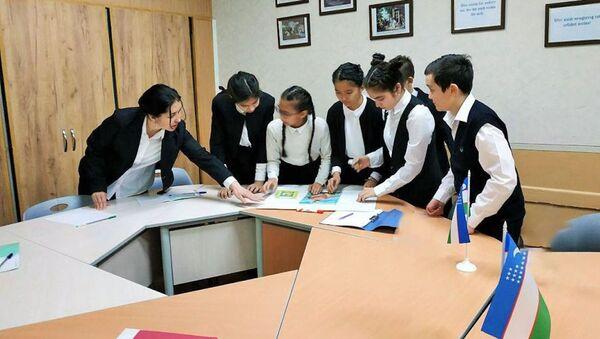 Урок в одной из школ Ташкента - Sputnik Ўзбекистон