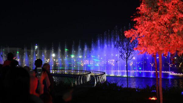 Dubay v tsentre Tashkenta: fantasticheskoye shou tantsuyuщego fontana - video - Sputnik Oʻzbekiston