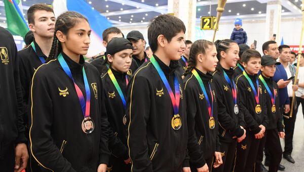 Vstrecha yuniorskoy sbornoy Uzbekistana po boksu_video - Sputnik Oʻzbekiston