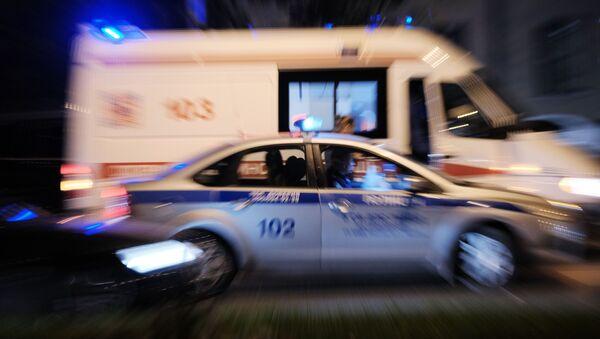 Автомобили полиции и скорой медицинской помощи - Sputnik Узбекистан