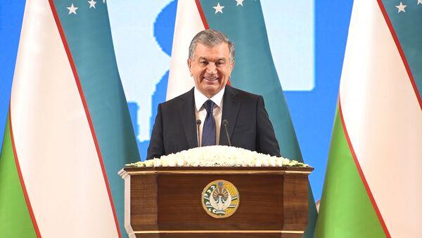 Выступление Шавката Мирзиёева на празднике узбекского языка в Ташкенте - Sputnik Ўзбекистон