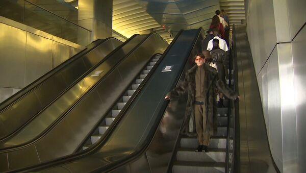 Высокая мода спустилась в метро - Sputnik Узбекистан