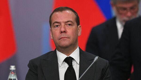 Premyer-ministr RF D. Medvedev prinyal uchastiye v zasedaniyax Soveta glav pravitelstv SNG i Yevraziyskogo mejpravitelstvennogo soveta - Sputnik Oʻzbekiston