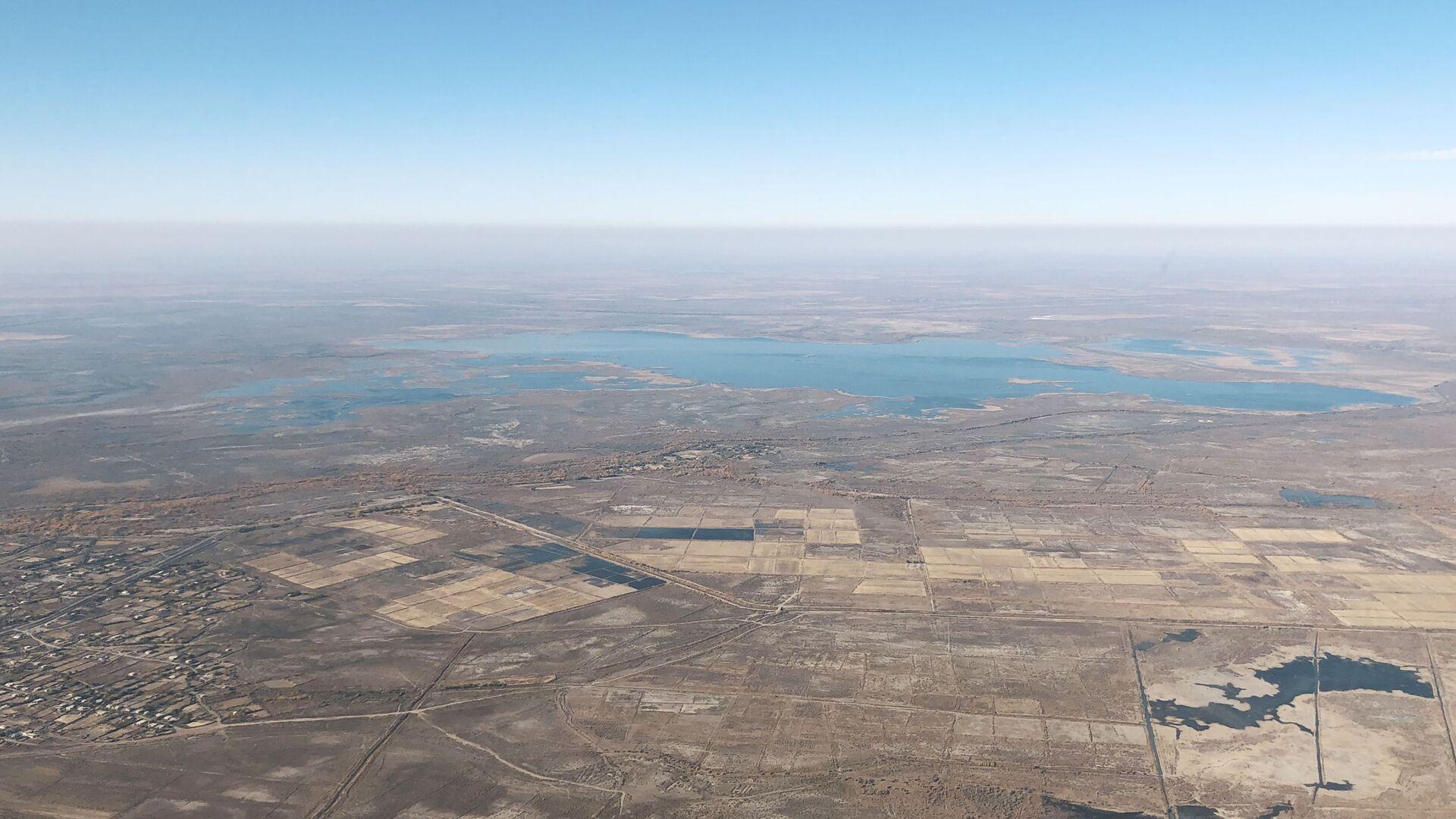 Вид на Аральское море с высоты - Sputnik Узбекистан, 1920, 23.06.2021