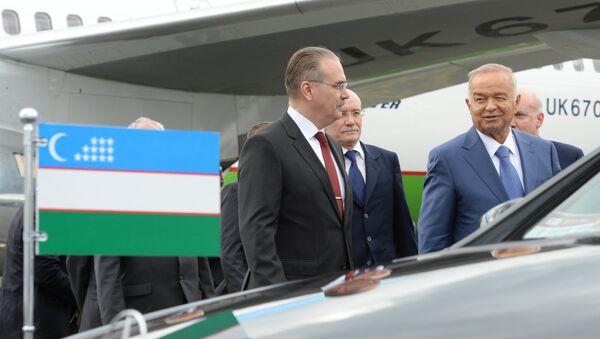 Президент Республики Узбекистан Ислам Каримов (справа) - Sputnik Узбекистан