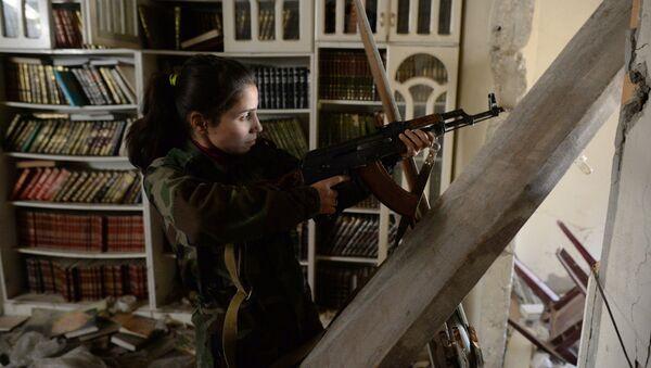 Девушка-снайпер спецполка Сирийской арабской армии (САА) - Sputnik Узбекистан