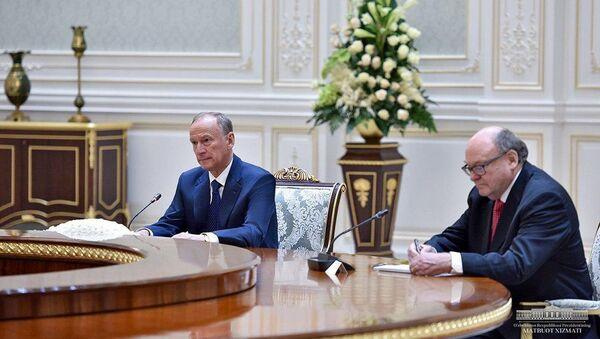Шавкат Мирзиёев принял секретаря Совета безопасности России Федерации Николая Патрушева - Sputnik Узбекистан