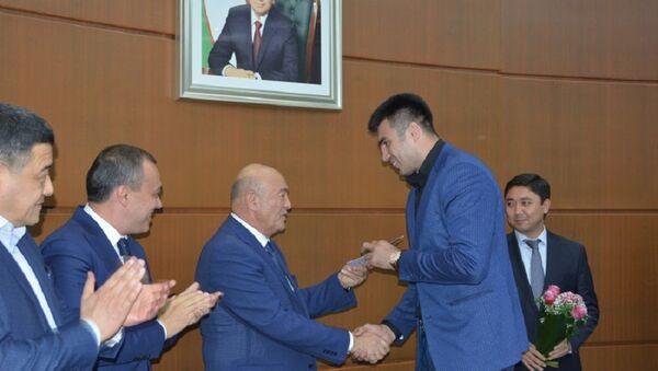 Спортсменам, достигшим высоких результатов, были вручены денежные призы - Sputnik Ўзбекистон