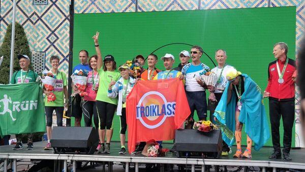 Samarkand Half Marathon: как прошел первый международный благотворительный забег в Узбекистане  - Sputnik Узбекистан