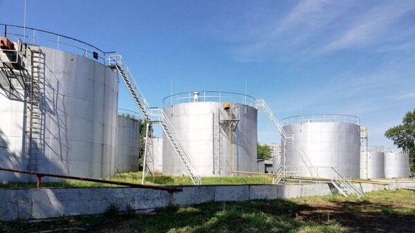 Хранилище нефти - иллюстративное фото - Sputnik Ўзбекистон