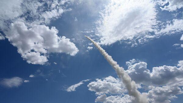 Боевая стрельба расчетов зенитных ракетных комплексов (ЗРК) - Sputnik Ўзбекистон