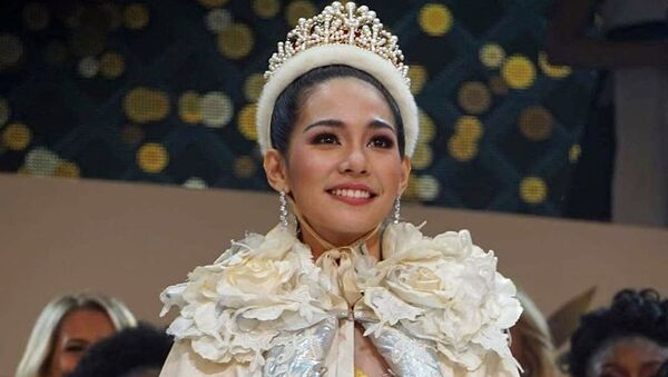 Pobeditelnitsey 59-go mejdunarodnogo konkursa krasotы Miss Interneshnl (Miss International) v Tokio stala predstavitelnitsa Tailanda Bint Sayrisorn - Sputnik Oʻzbekiston