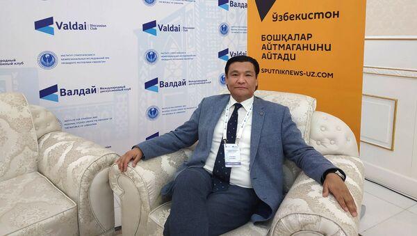 Советник премьер-министра Кыргызстана Кубатбек Рахимов - Sputnik Узбекистан