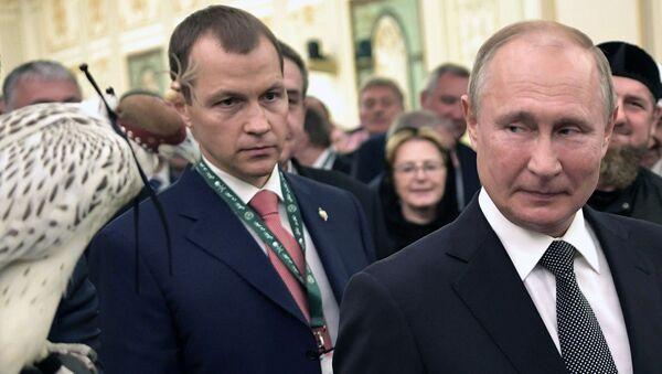 Prezident RF Vladimir Putin na tseremonii ofitsialnoy vstrechi s korolem Saudovskoy Aravii Salmanom ben Abdel Aziz al Saudom - Sputnik Oʻzbekiston