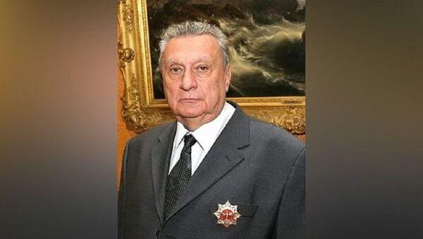 Художник-живописец Владимир Артыков - Sputnik Узбекистан