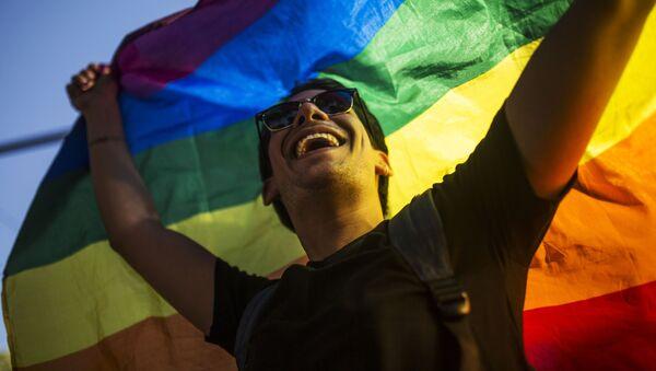 ЛГБТ-парад в Мадриде - Sputnik Ўзбекистон