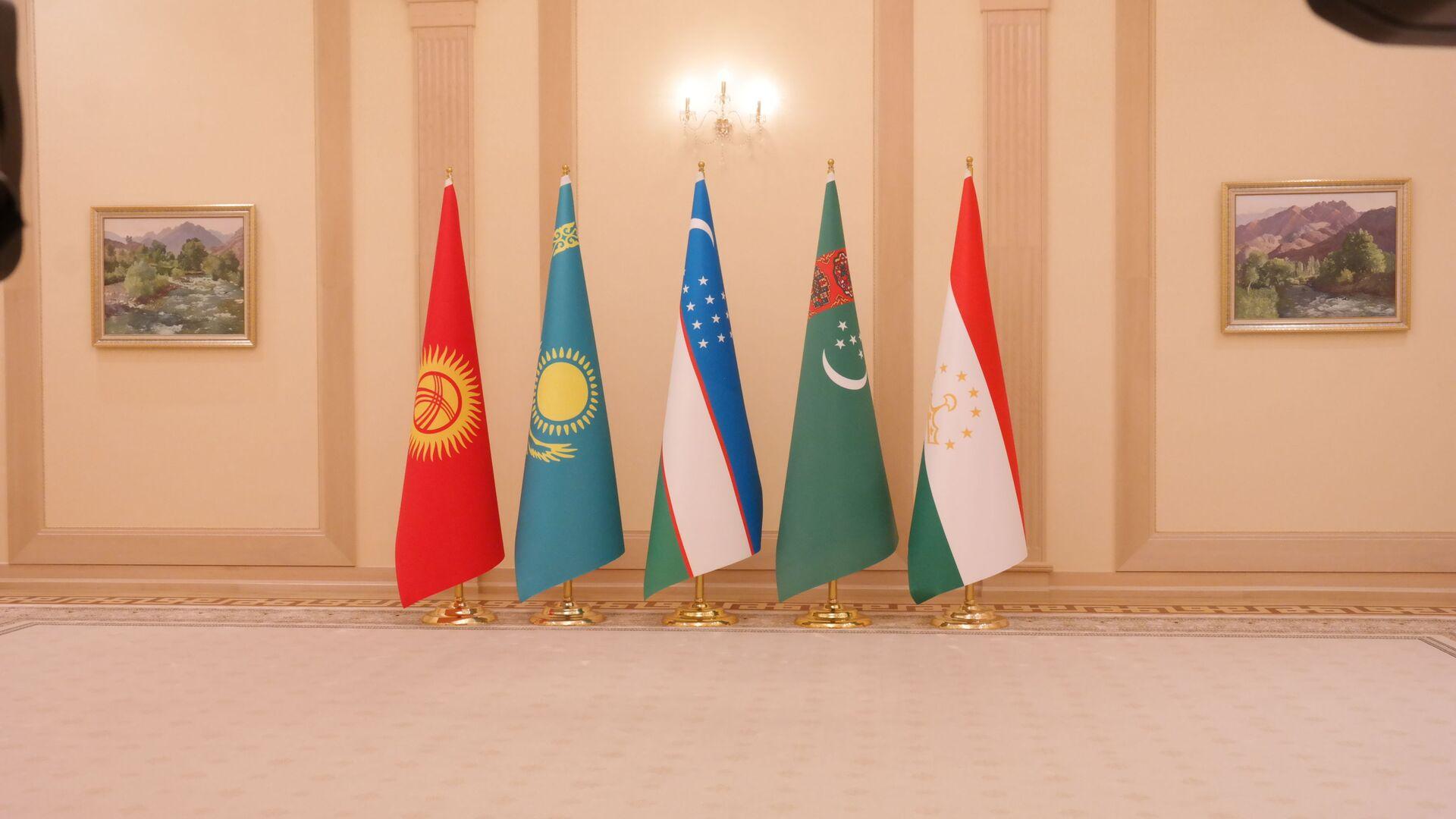 Флаги центральноазиатских государств - Sputnik Узбекистан, 1920, 18.08.2021