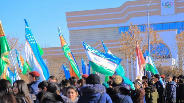 В Нукусе отметили День флага - Sputnik Ўзбекистон
