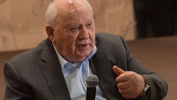Prezentatsiya knigi M. Gorbacheva Ostayus optimistom v Moskovskom Dome Knigi - Sputnik Oʻzbekiston