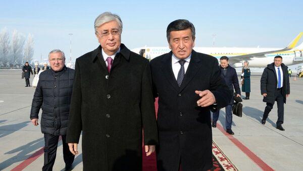 Касым-Жомарт Токаев прибыл в Бишкек для участия на саммите ОДКБ - Sputnik Ўзбекистон