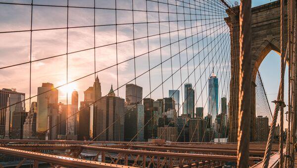 A view from the Brooklyn Bridge on New York - Sputnik Ўзбекистон